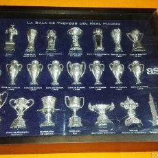 Coleccionismo deportivo: VITRINA SALA DE TROFEOS DEL REAL MADRID. Lote 56601945