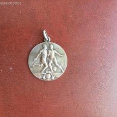 Coleccionismo deportivo: MEDALLA DE FÚTBOL DE PLATA 1920'S. . Lote 60933939