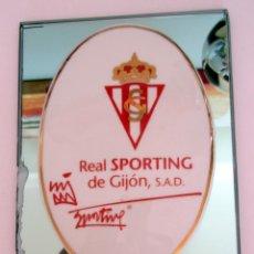 Coleccionismo deportivo: RECUERDO PARTIDO CENTENARIO SPORTING GIJON XEREZ C.D. AL ARBITRO CARLOS CLOS GOMEZ. Lote 62359499