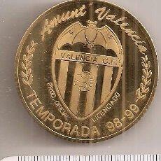 Coleccionismo deportivo: VALENCIA CAMPEÓN DE COPA DE FÚTBOL 1999. BAÑADA EN ORO. Lote 63107908