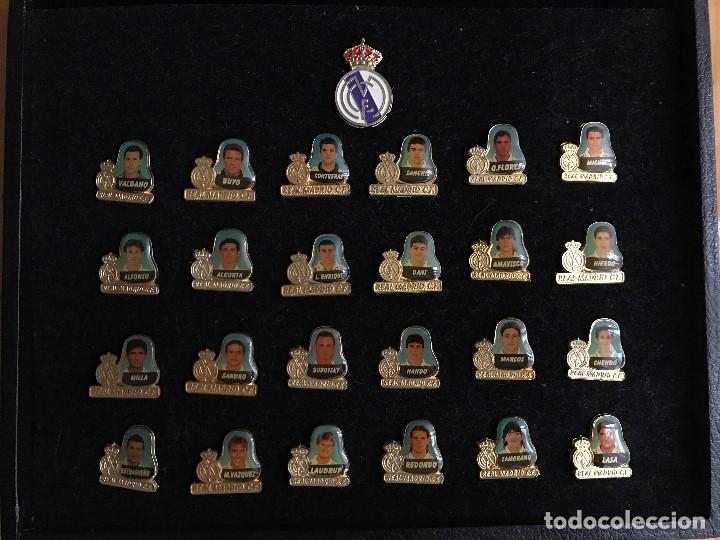 Coleccionismo deportivo: Lujoso Estuche conmemorativo del Real Madrid Temporada 94/95 - Foto 3 - 67248101