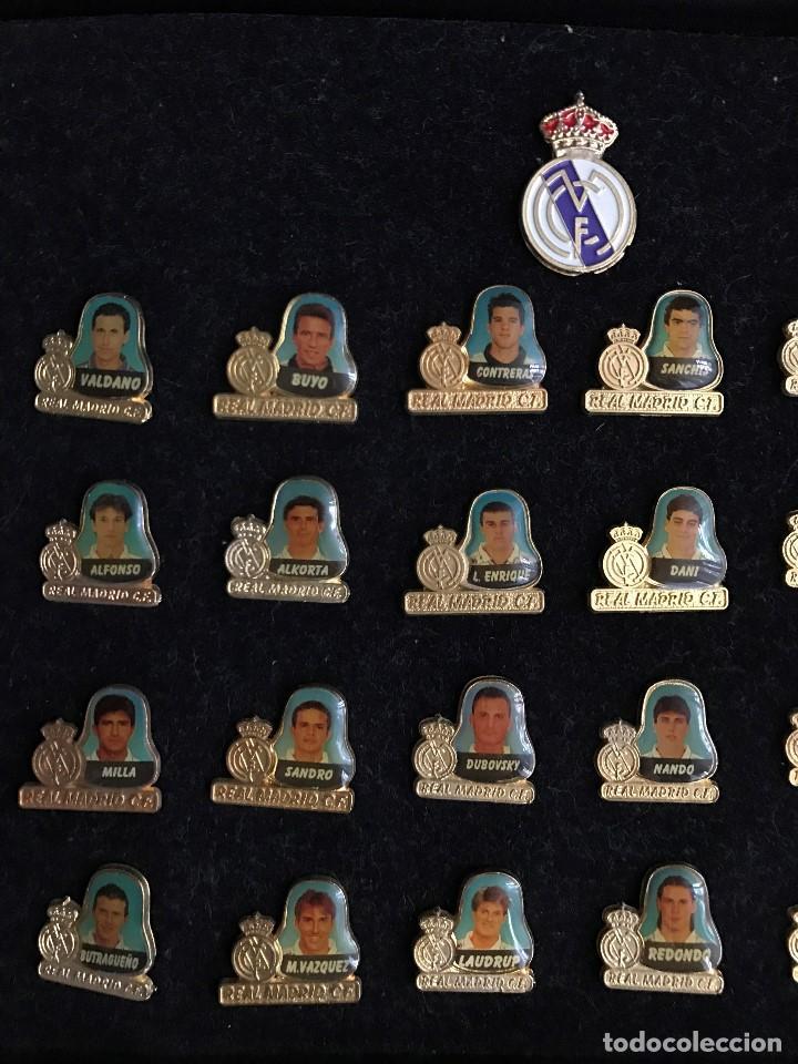 Coleccionismo deportivo: Lujoso Estuche conmemorativo del Real Madrid Temporada 94/95 - Foto 4 - 67248101