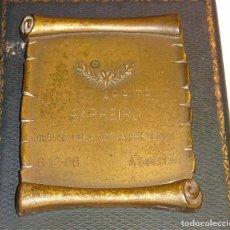Coleccionismo deportivo: MEDALLA MEDALLÓN DE FÚTBOL DE PORTUGAL. AÑO 1986. NUCLEO ARBITROS BARREIRO. 250 GR. Lote 76805915
