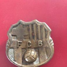 Coleccionismo deportivo: CENICERO DE BRONCE DEL FÚTBOL CLUB BARCELONA 1984-1985 CAMPEONES DE LIGA.. Lote 88506496