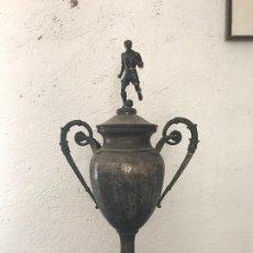 Coleccionismo deportivo: BONITO TROFEO DE FÚTBOL 1920'S. . Lote 88521104