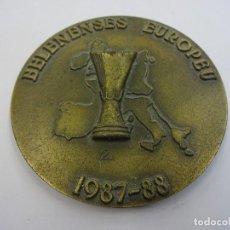 Coleccionismo deportivo: CLUBE FUTEBOL OS BELENENSES. MEDALLÓN CONMEMORATIVO UEFA 1987-88. Lote 89719732