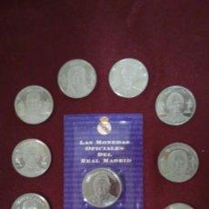 Coleccionismo deportivo: 12 MONEDAS DE LA COLECCIÓN DIARIO AS DEL REAL MADRID S. XX AL REAL MADRID DEL S. XXI. Lote 90127476