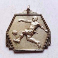 Coleccionismo deportivo: MEDAL MEDALLA TORNEO OLIMPICO DE FUTBOL LONDRES JULIO 1948. Lote 92733165