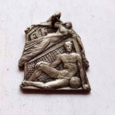 Coleccionismo deportivo: SILVER MEDAL MEDALLA PLATA VII SEMANA DEPORTIVA MILITAR 1946. Lote 92903650