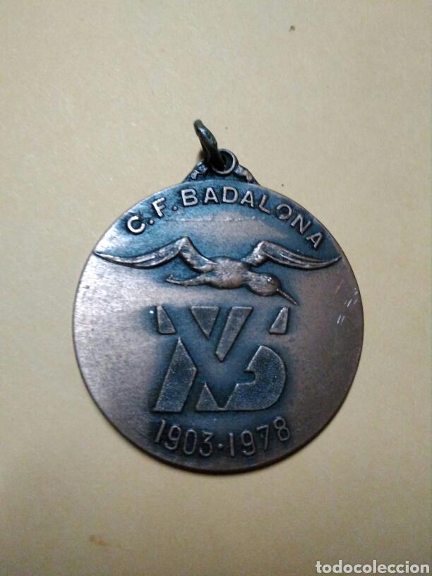 MEDALLA CLUB FUTBOL BADALONA 75 ANIVERSARIO 1903 1978 (Coleccionismo Deportivo - Medallas, Monedas y Trofeos de Fútbol)