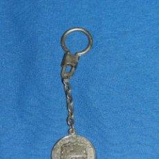 Coleccionismo deportivo: (M) LLAVERO DEL FC BARCELONA 75 ANIVERSARIO 1899 - 1974 , SEÑALES DE USO. Lote 99975415