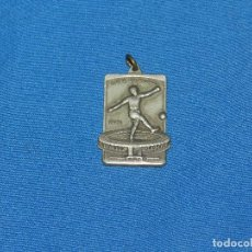Coleccionismo deportivo: (M) MEDALLA DE PLATA - COPA DO MUNDO 1950 , RIO DE JANEIRO , BRASIL ( ORIGINAL ) NO COPIA. Lote 100159927
