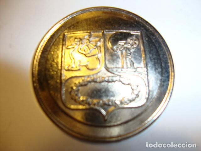 MEDALLA DEL ESCUDO DEL REAL MADRID DEL AÑO 1902 (Coleccionismo Deportivo - Medallas, Monedas y Trofeos de Fútbol)