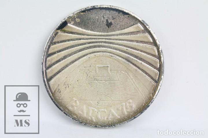 Coleccionismo deportivo: Medalla Conmemorativa de Plata - Fútbol Club / FC Barcelona - Barça 75 Aniversari, 1899-1974 - Foto 2 - 109240755