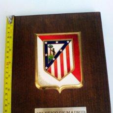 Coleccionismo deportivo: ATLÉTICO DE MADRID METOPA CON ESCUDO Y AÑO DE FUNDACIÓN DEL CLUB.. Lote 109470163