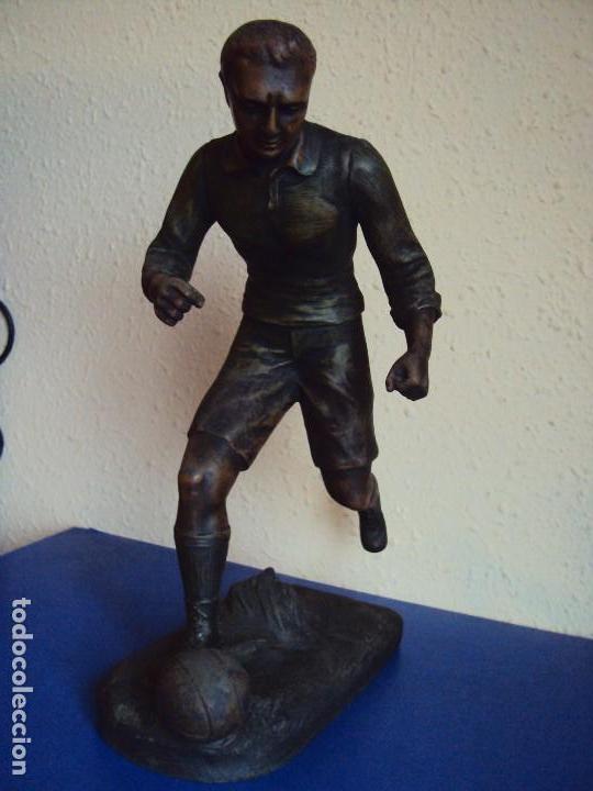 Coleccionismo deportivo: (F-180190)FIGURA DE CALAMINA JUGADOR DE FOOT-BALL - FUTBOL - AÑOS 20 - FIRMADA - Foto 2 - 110630747