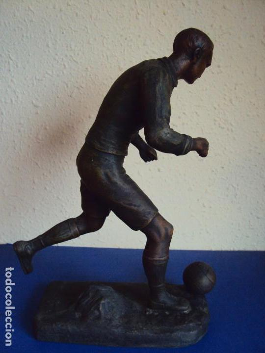 Coleccionismo deportivo: (F-180190)FIGURA DE CALAMINA JUGADOR DE FOOT-BALL - FUTBOL - AÑOS 20 - FIRMADA - Foto 6 - 110630747