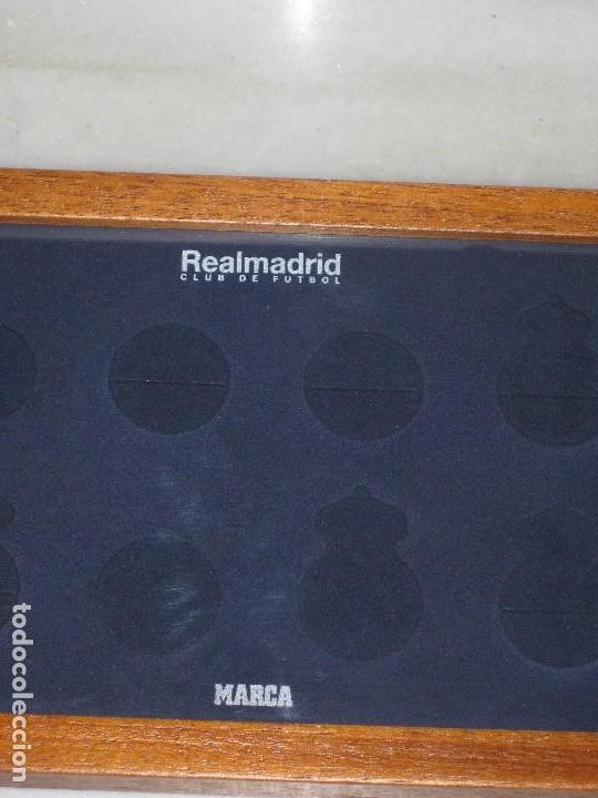 Coleccionismo deportivo: Cuadro expositor Real Madrid Club de Futbol - Foto 2 - 112156191
