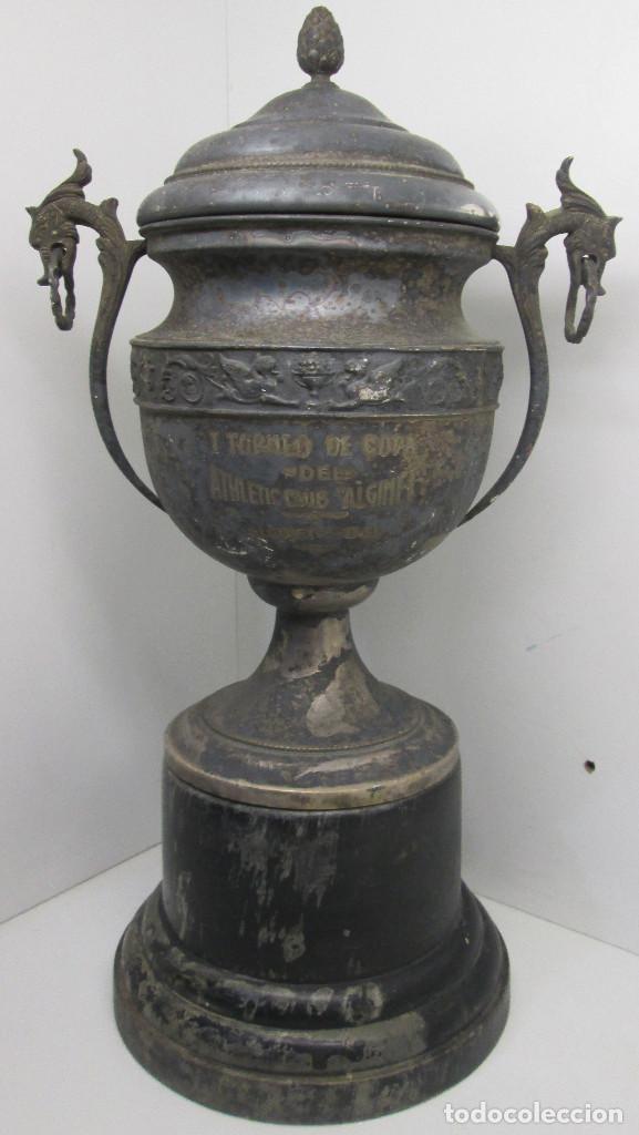ANTIGUO Y PRECIOSO TROFEO DE FÚTBOL, I TORNEO DE COPA DEL ATHLETIC CLUB ALGINET 5-11-1933 (Coleccionismo Deportivo - Medallas, Monedas y Trofeos de Fútbol)
