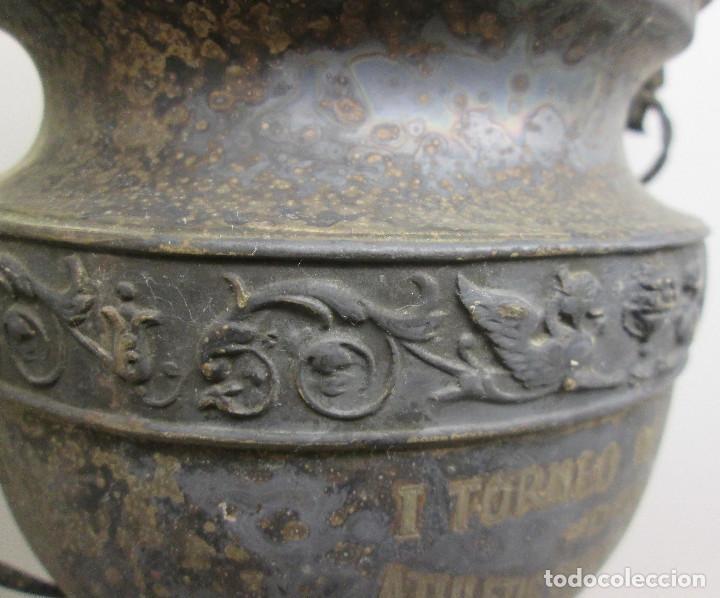 Coleccionismo deportivo: Antiguo y precioso trofeo de fútbol, I TORNEO DE COPA DEL ATHLETIC CLUB ALGINET 5-11-1933 - Foto 7 - 112375527