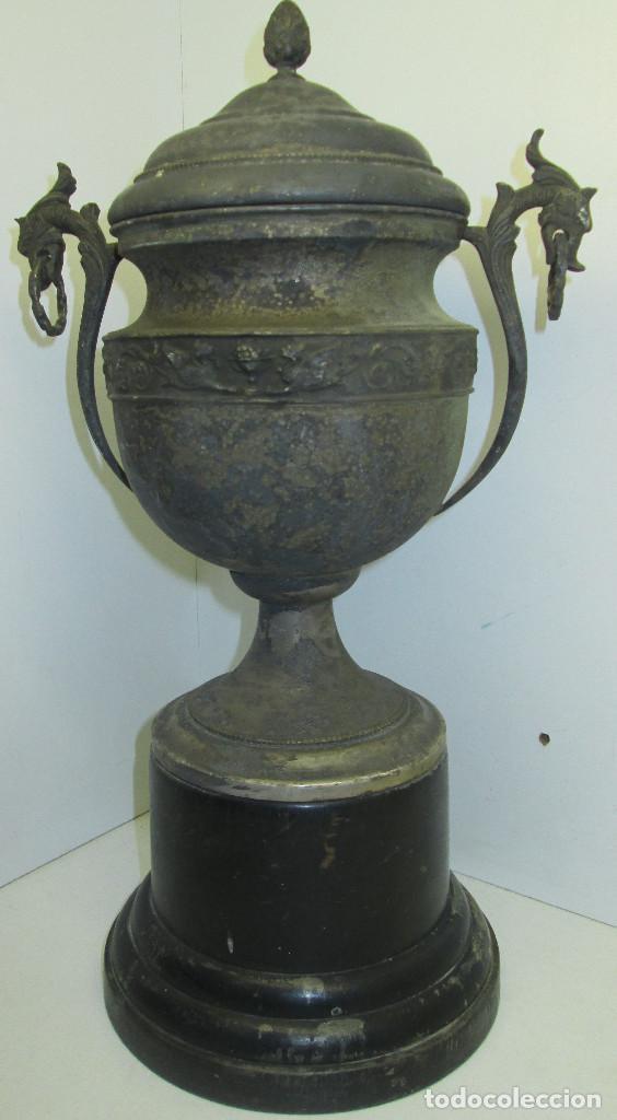 Coleccionismo deportivo: Antiguo y precioso trofeo de fútbol, I TORNEO DE COPA DEL ATHLETIC CLUB ALGINET 5-11-1933 - Foto 9 - 112375527