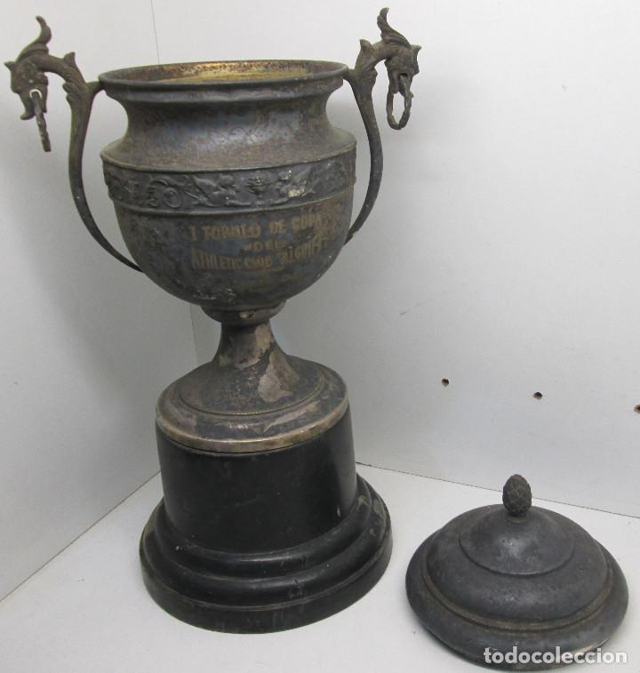 Coleccionismo deportivo: Antiguo y precioso trofeo de fútbol, I TORNEO DE COPA DEL ATHLETIC CLUB ALGINET 5-11-1933 - Foto 10 - 112375527