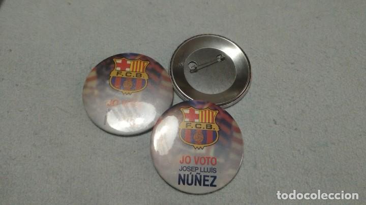 CHAPA CON AGUJA 6CM CAMPAÑA ELECCIONES FC BARCELONA 'JO VOTO JOSEP LLUIS NUÑEZ' (Coleccionismo Deportivo - Medallas, Monedas y Trofeos de Fútbol)
