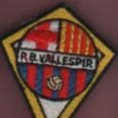 Coleccionismo deportivo: FELPA ESCUDO DE ROPA BORDADO DE LA PEÑA BARCELONISTA VALLESPIR - FUTBOL CLUB BARCELONA - BARÇA. Lote 195630056