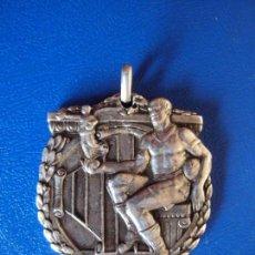 Coleccionismo deportivo: (F-180447)MEDALLA DE PLATA CAMPIONAT PROVINCIAL DE BARCELONA 1928-29 FOOT-BALL. Lote 117905339