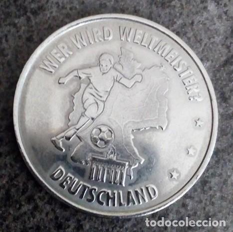 BONITA MONEDA FIFA WM 2006 DEUTSCHALND FUSSBALL WELTMEISTERSCHAFT ALEMANIA 2006 DIFICIL DE CONSEGUIR (Coleccionismo Deportivo - Medallas, Monedas y Trofeos de Fútbol)