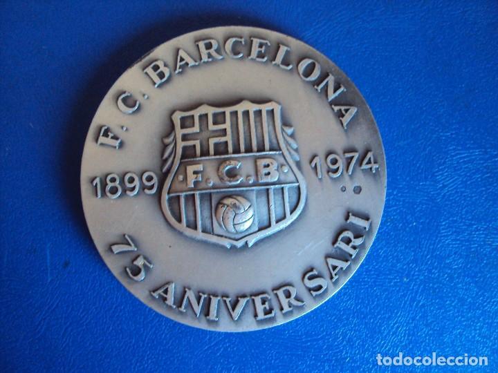 (F-180533)MEDALLA DEL F.C.BARCELONA EN PLATA - 75 ANIVERSARIO - VALLMITJANA (Coleccionismo Deportivo - Medallas, Monedas y Trofeos de Fútbol)