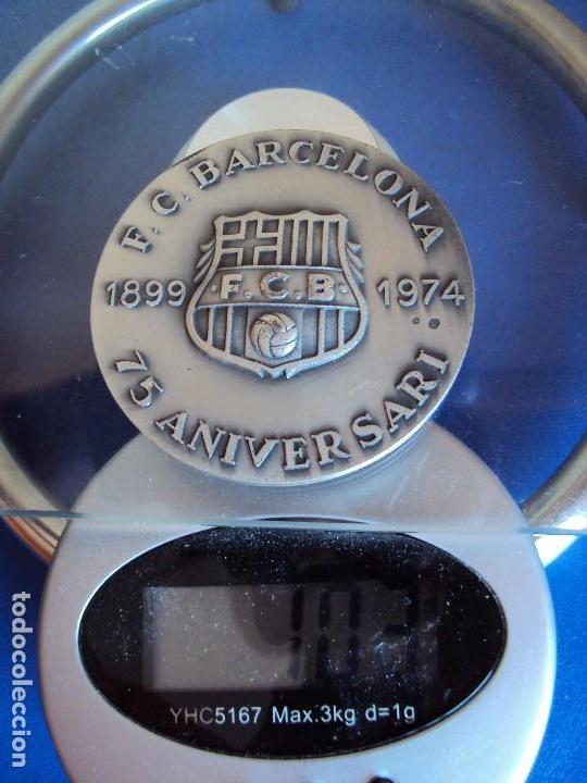 Coleccionismo deportivo: (F-180533)MEDALLA DEL F.C.BARCELONA EN PLATA - 75 ANIVERSARIO - VALLMITJANA - Foto 4 - 120937079