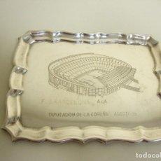 Coleccionismo deportivo: 818- BANDEJA CONMEMORATIVA DEL FC BARCELONA A LA DIPUTACIÓN DE LA CORUÑA 1993. Lote 126285575