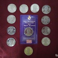 Coleccionismo deportivo: 12 MONEDAS DE LA COLECCIÓN DIARIO AS DEL REAL MADRID S. XX AL REAL MADRID DEL S. XXI. Lote 132339634