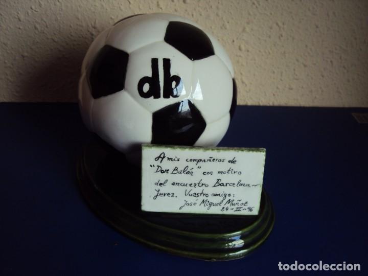 (F-190914)TROFEO DON BALON - PARTIDO F.C.BARCELONA - JEREZ - 24 - II - 1996 (Coleccionismo Deportivo - Medallas, Monedas y Trofeos de Fútbol)