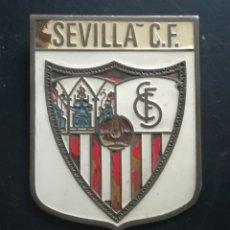 Coleccionismo deportivo: ANTIGUA PLACA METÁLICA DEL SEVILLA FC. Lote 134107815
