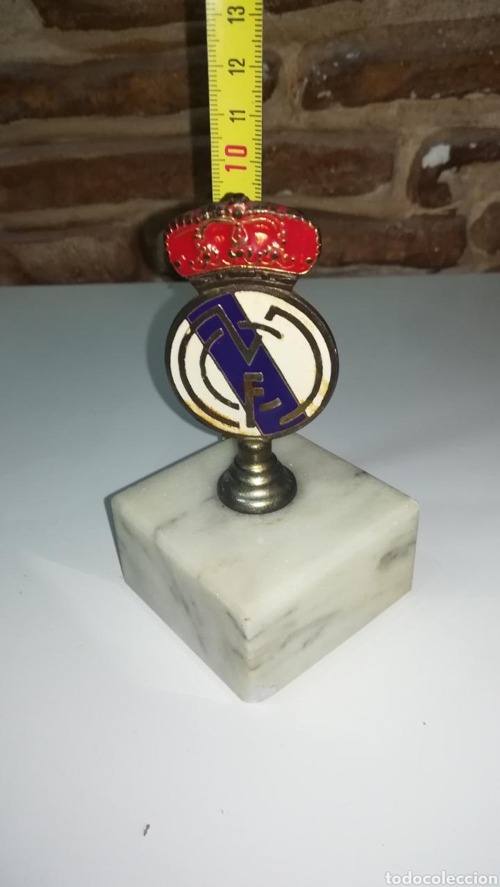 REAL MADRID ESCUDO TROFEO (Coleccionismo Deportivo - Medallas, Monedas y Trofeos de Fútbol)