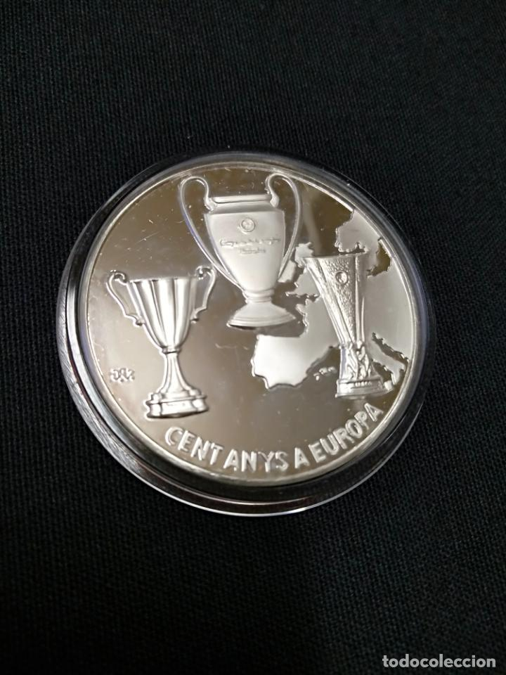 Coleccionismo deportivo: MEDALLA PLATA DE PRIMERA LEY CON ESTUCHE - CENT ANYS A EUROPA - CENTENARI F.C. BARCELONA 1899 1999 - Foto 2 - 138548738
