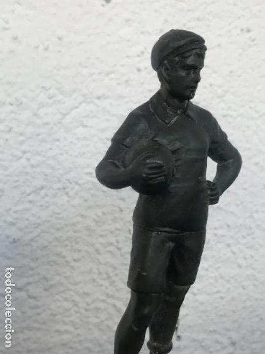 Coleccionismo deportivo: ESCULTURA ART DECO DE PORTERO DE FÚTBOL 1930'S. VER FOTOS ANEXAS. - Foto 3 - 139321598