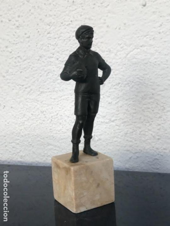 Coleccionismo deportivo: ESCULTURA ART DECO DE PORTERO DE FÚTBOL 1930'S. VER FOTOS ANEXAS. - Foto 6 - 139321598