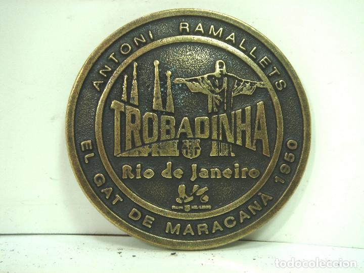 Coleccionismo deportivo: MONEDA RAMALLETS-CULE 10 2008-CON CERTIFICADO NUMERADA 240-SERIE LIMITADA-BARCELONA FUTBOL MEDALLA - Foto 2 - 158371880
