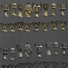 Coleccionismo deportivo: OPORTUNIDAD JUEGO DE AJEDREZ DEL REAL MADRID COMPLETO ESTADO PERFECTO SIN TABLERO. Lote 144438154