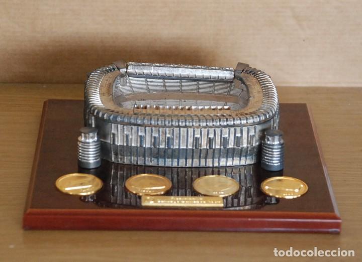 ESTADIO FUTBOL REAL MADRID SANTIAGO BERNABEU (Coleccionismo Deportivo - Medallas, Monedas y Trofeos de Fútbol)