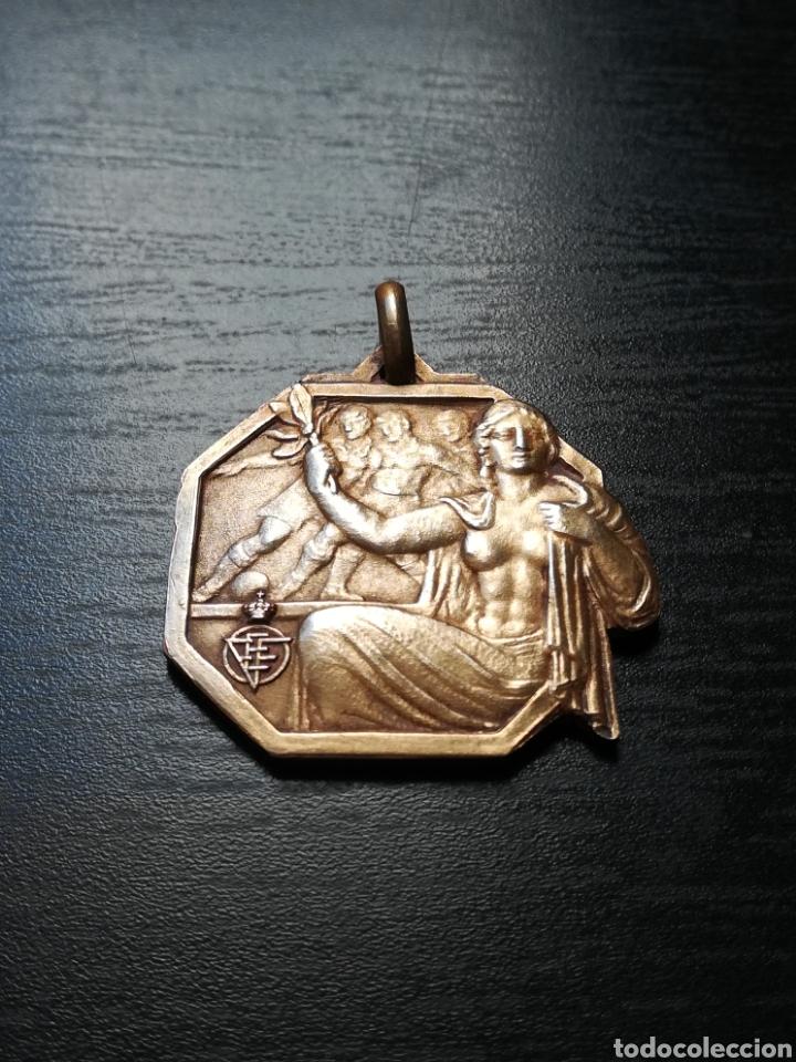 Coleccionismo deportivo: Medalla Campeón Federación Española Fútbol Campeonato Juveniles España 1975 FC Barcelona - de plata - Foto 2 - 148183510