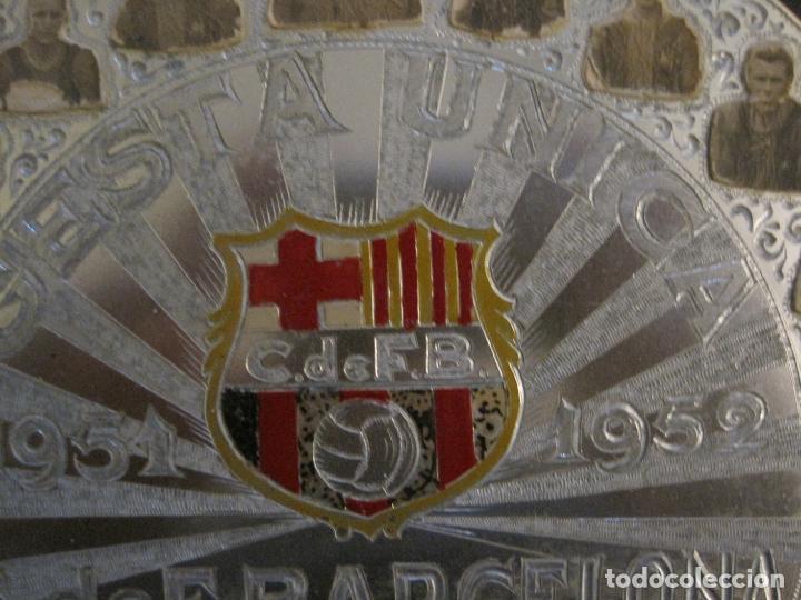Coleccionismo deportivo: CLUB FUTBOL BARCELONA-CHAPA CONMEMORATIVA GESTA UNICA 1951 1952-BARÇA CINCO COPAS-VER FOTOS(V-15954) - Foto 3 - 152206282