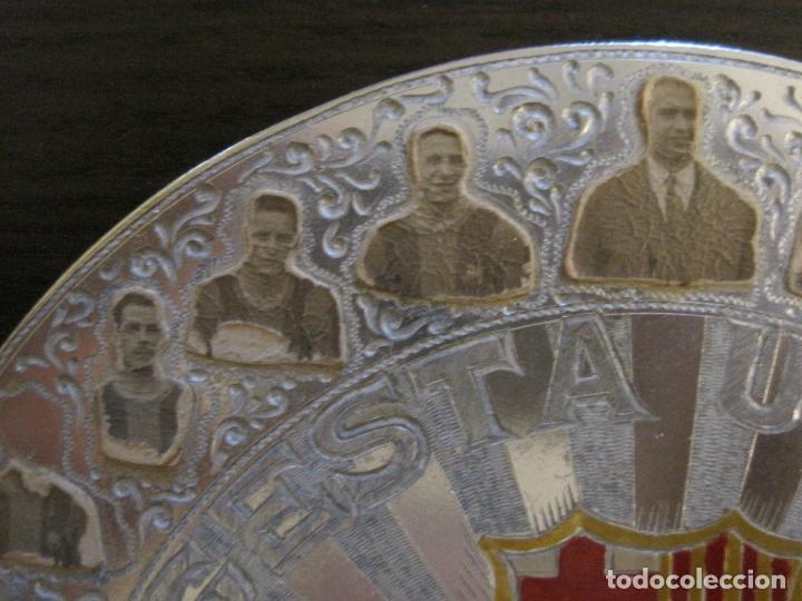 Coleccionismo deportivo: CLUB FUTBOL BARCELONA-CHAPA CONMEMORATIVA GESTA UNICA 1951 1952-BARÇA CINCO COPAS-VER FOTOS(V-15954) - Foto 7 - 152206282