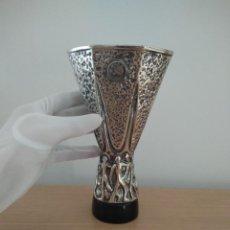 Coleccionismo deportivo: TROFEO UEFA EUROPA LEAGUE. ANTIGUA COPA UEFA. SEVILLA, VALENCIA, ATLETICO MADRID, REAL MADRID. Lote 152423006