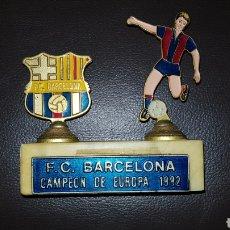 Coleccionismo deportivo: F.C. BARCELONA CAMPEON DE EUROPA 1992 PIE DE MARMOL ESCUDO Y FIGURA DE METAL. Lote 152847632