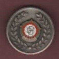 Coleccionismo deportivo: MEDALLA CAMPEON DE LIGA ADHERIDOS AFICIONADOS TEMPORA 1964 - 65 FUTBOL CLUB DONBOSCO. Lote 211881495