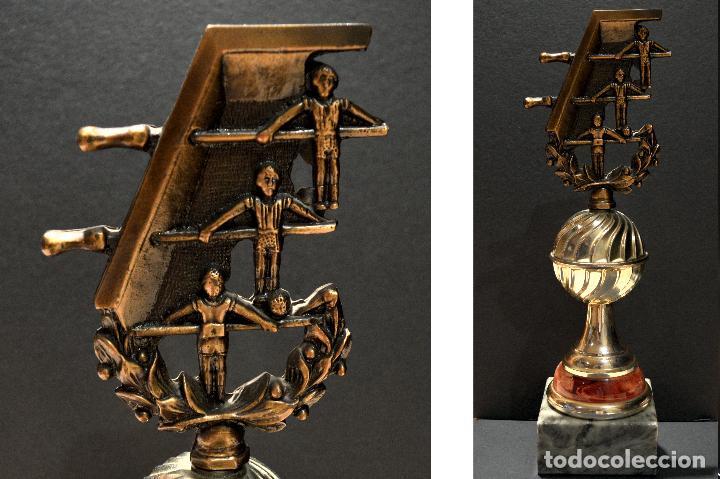 Coleccionismo deportivo: EXCELENTE TROFEO COPA DE FUTBOLÍN 31CM - Foto 5 - 155618910